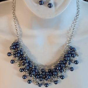Silvertone sapphire blue necklace w dangle earring